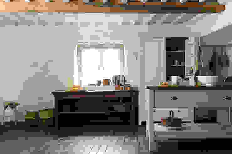 The Cotes Mill Classic Showroom by deVOL deVOL Kitchens Classic style kitchen White