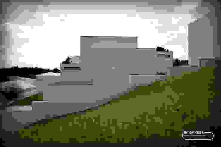 par Emprofeira - empresa de projectos da Feira, Lda. Moderne Béton