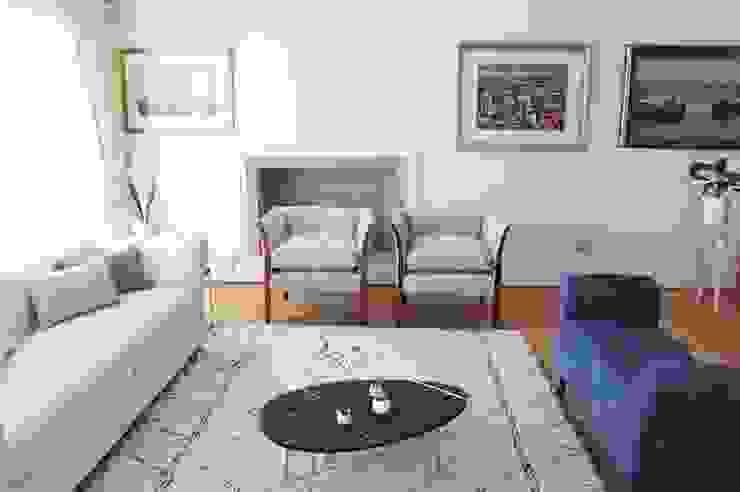 Remodelacion y decoración de interiores de Living de Estudio Arquitectura y construccion PR/ Remodelaciones y Diseño de interiores / Santiago, Rancagua y Viña del mar