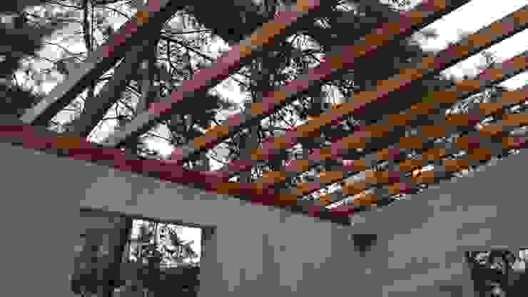 ASK MİMARLIK İNŞAAT Hipped roof Wood