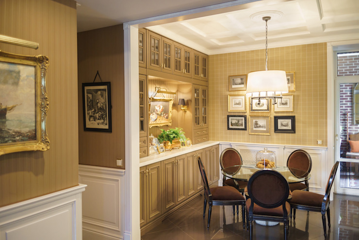 studio68-32 Classic style kitchen Wood Brown