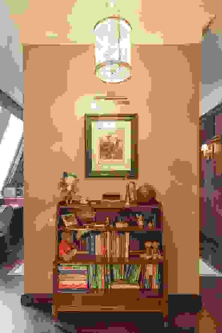 studio68-32 Colonial style corridor, hallway& stairs Wood Brown