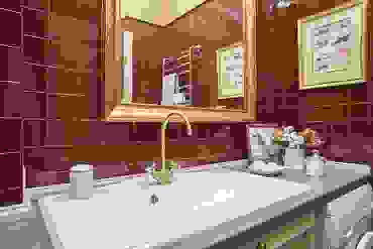 studio68-32 Classic style bathroom Wood Brown