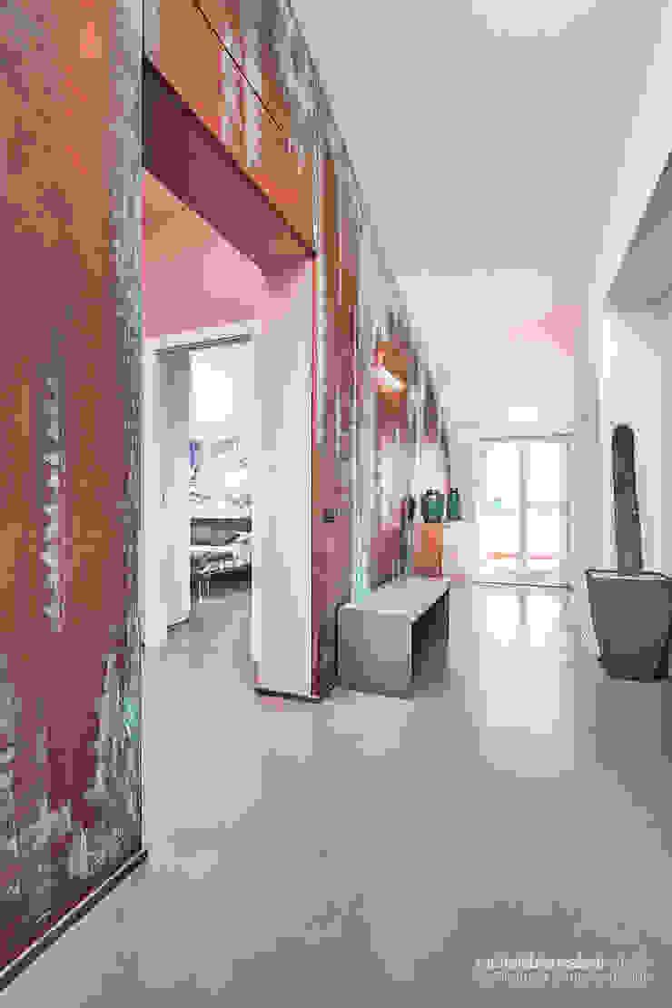 Rachele Biancalani Studio Koridor & Tangga Minimalis