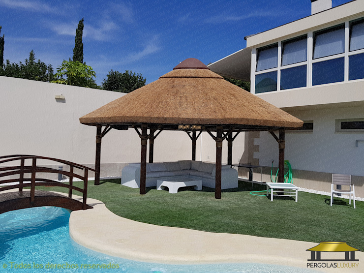 SELECCION DE TRABAJOS REALIZADOS POR PERGOLAS LUXURY 1:  de estilo tropical de PERGOLAS LUXURY , Tropical