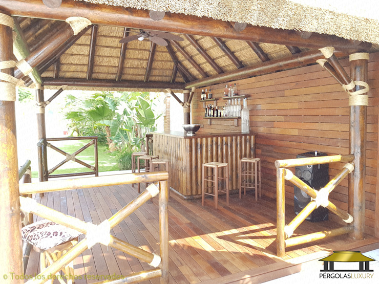 de estilo tropical por PERGOLAS LUXURY , Tropical
