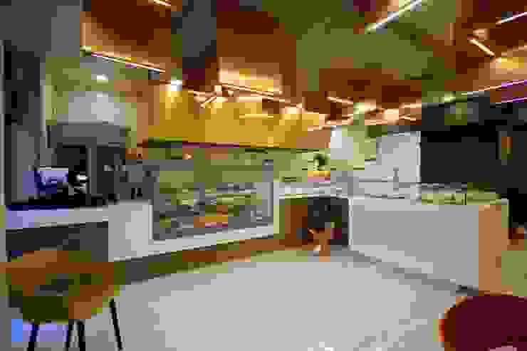 Studio Ferlenda Restaurantes Derivados de madera Ámbar/Dorado