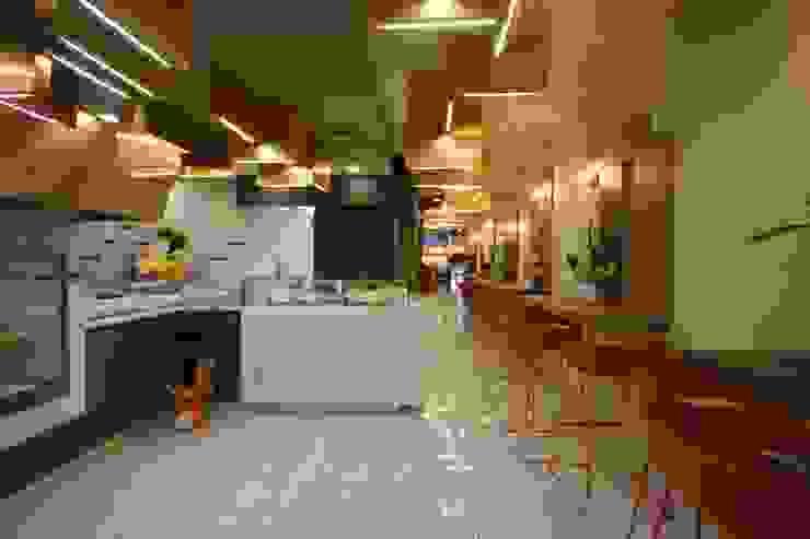 Studio Ferlenda Restaurantes Derivados de madera Naranja