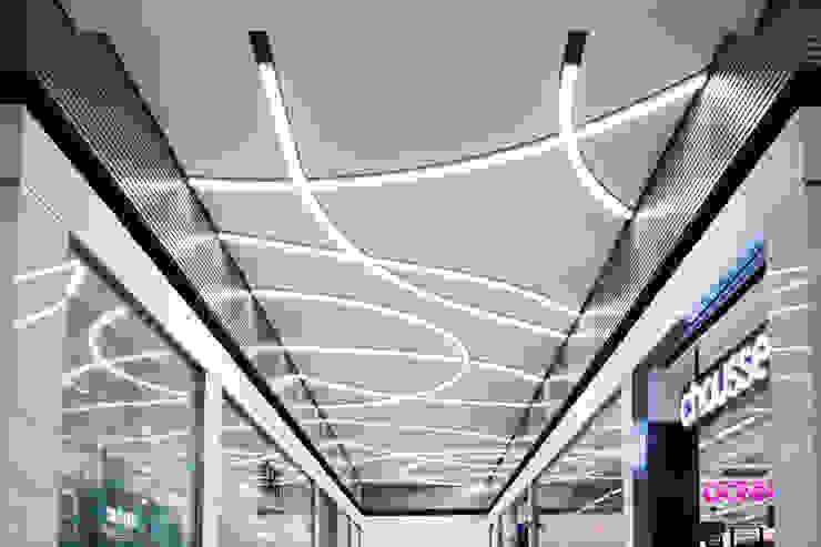 Illuminazione Centro Commerciale Universo METALMEK ILLUMINAZIONE SRL Centri commerciali in stile minimalista