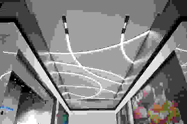 Illuminazione Centro Commerciale Universo METALMEK ILLUMINAZIONE SRL Centri commerciali moderni