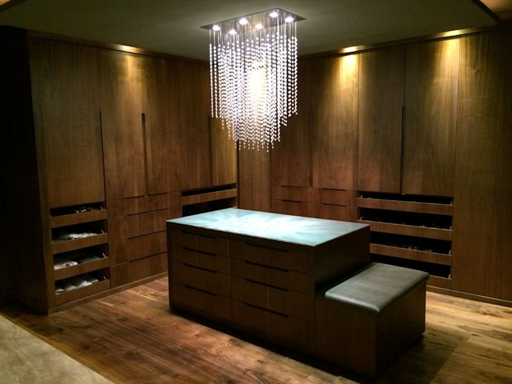Minimalist dressing room by TU ESPACIO -MUEBLES Minimalist Wood Wood effect