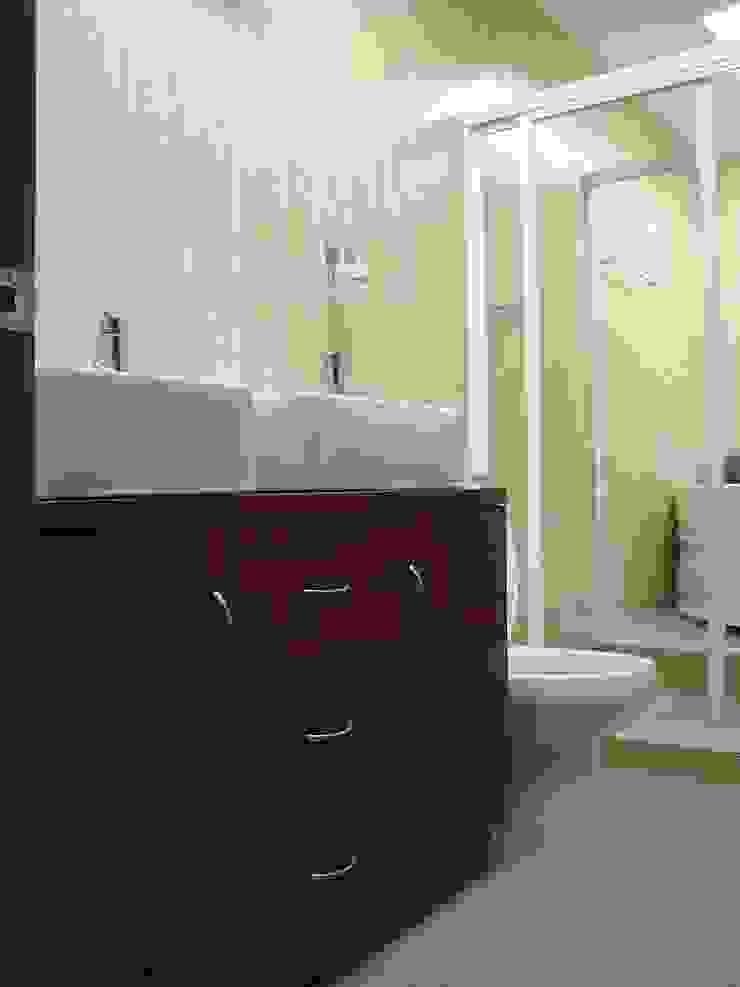 Minimalist style bathroom by TU ESPACIO -MUEBLES Minimalist
