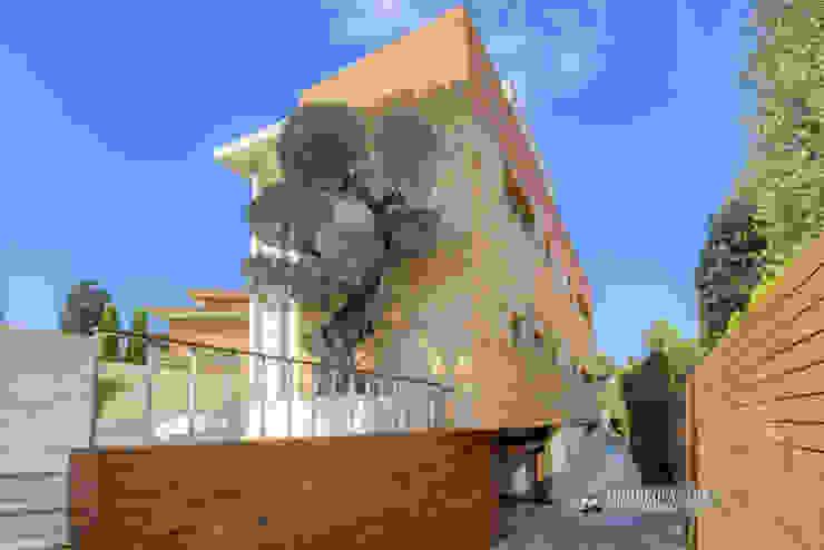 Fachada de una casa de lujo Carlos Sánchez Pereyra | Artitecture Photo | Fotógrafo Casas adosadas
