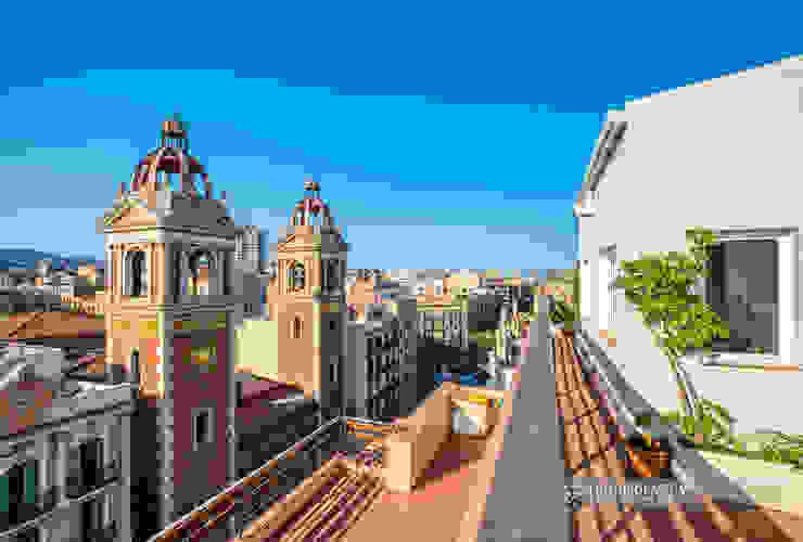 Terraza con vistas en el Eixample de Barcelona Carlos Sánchez Pereyra | Artitecture Photo | Fotógrafo Balcones y terrazas de estilo ecléctico