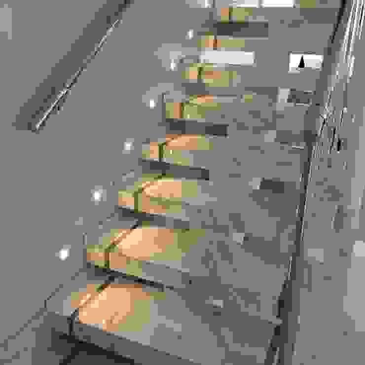 Escada em Porcelanato JK Bancadas Escadas