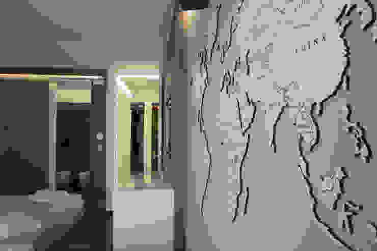 Arredamento Camere per Bed And Breakfast a Milazzo Hotel moderni di PERCORSOARREDO Moderno Legno composito Trasparente