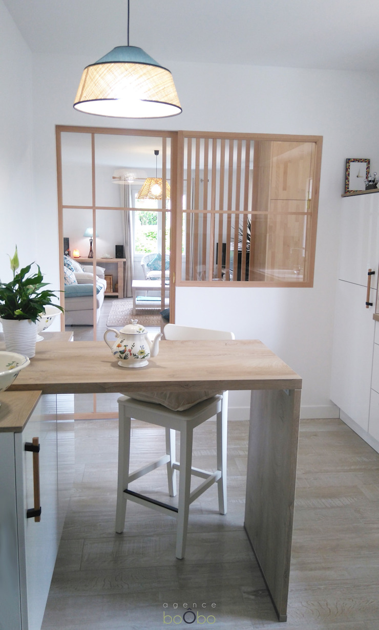 Agence boÔbo Modern kitchen White