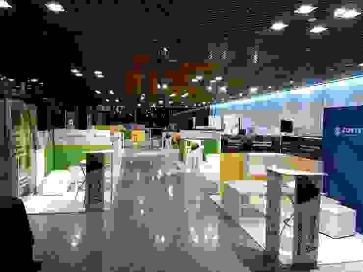Congreso Mercosoja Rosario 2019 Centros de exposiciones de estilo moderno de Faerman Stands y Asoc S.R.L. - Arquitectos - Rosario Moderno Derivados de madera Transparente
