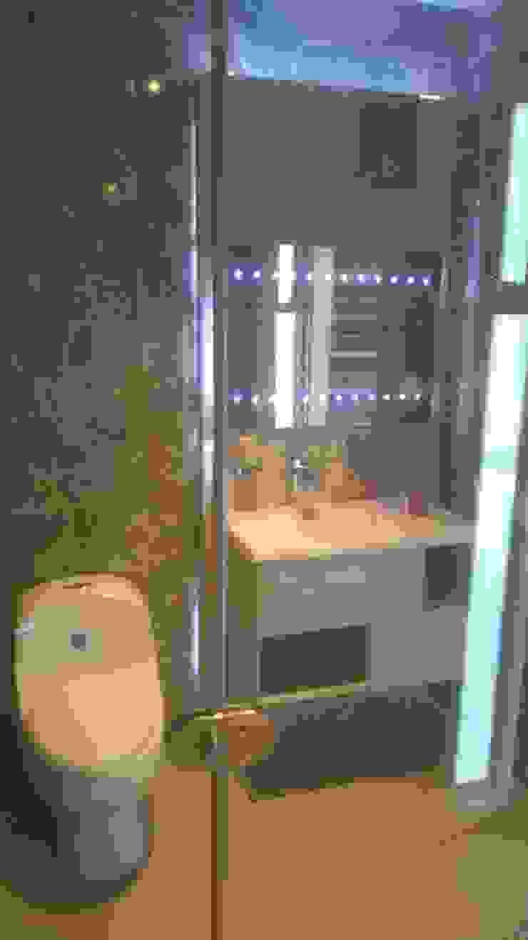 mueble de baño y lavamanos flotante de CONSTRUCCIÓN PROYECTO DESIGN S.A.S Ecléctico