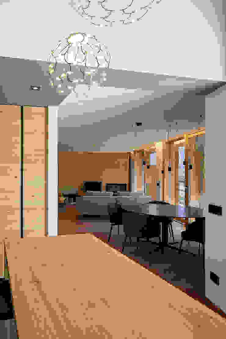 BEARprogetti - Architetto Enrico Bellotti 现代客厅設計點子、靈感 & 圖片