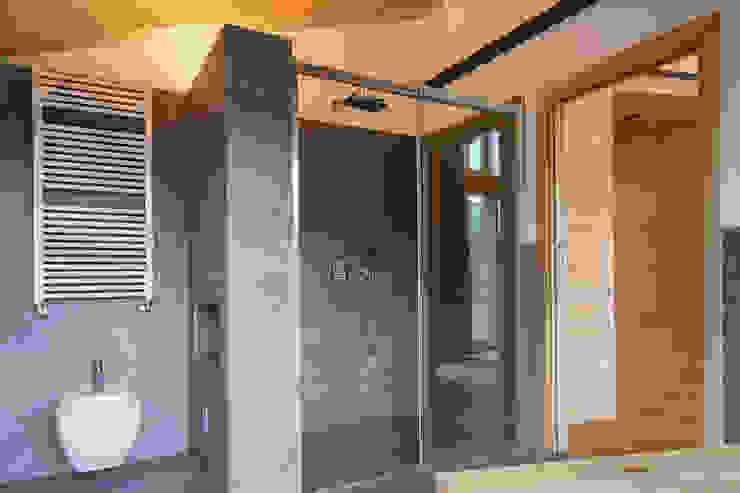 BEARprogetti - Architetto Enrico Bellotti 現代浴室設計點子、靈感&圖片