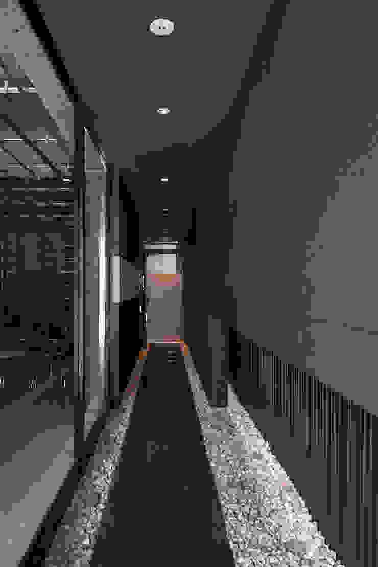 エントランス の 株式会社 藤本高志建築設計事務所
