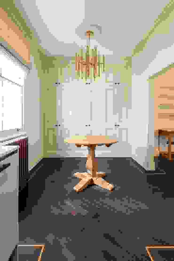 Tiny details Prestige Architects By Marco Braghiroli Salas de jantar modernas
