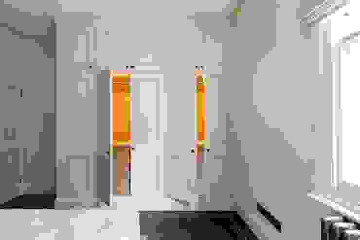 Impeccable illumination Prestige Architects By Marco Braghiroli Quartos modernos