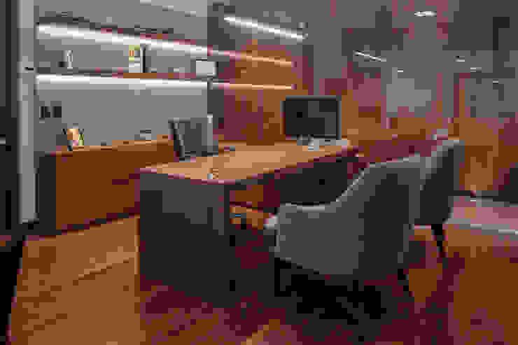TocoMadera Modern style study/office