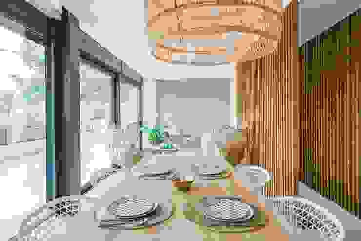 Comedor y menaje de hogar Francisco Pomares Arquitecto / Architect Comedores de estilo mediterráneo Madera
