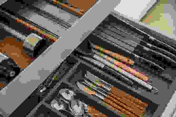 Cajones cuberteros ocultos Francisco Pomares Arquitecto / Architect CocinaUtensilios de cocina