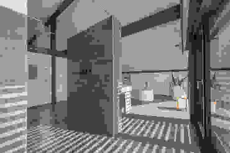 Modern Spa by HUF HAUS GmbH u. Co. KG Modern