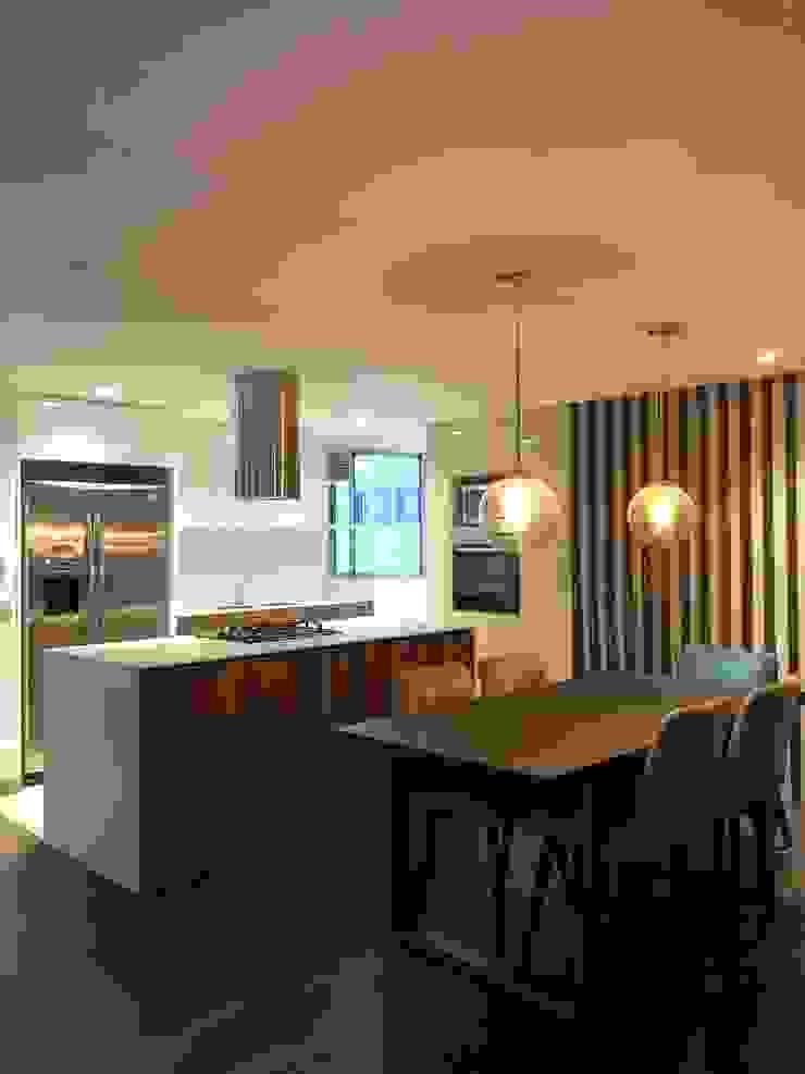 entrearquitectosestudio Built-in kitchens Wood Wood effect