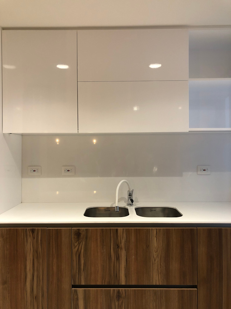 entrearquitectosestudio Built-in kitchens Chipboard White