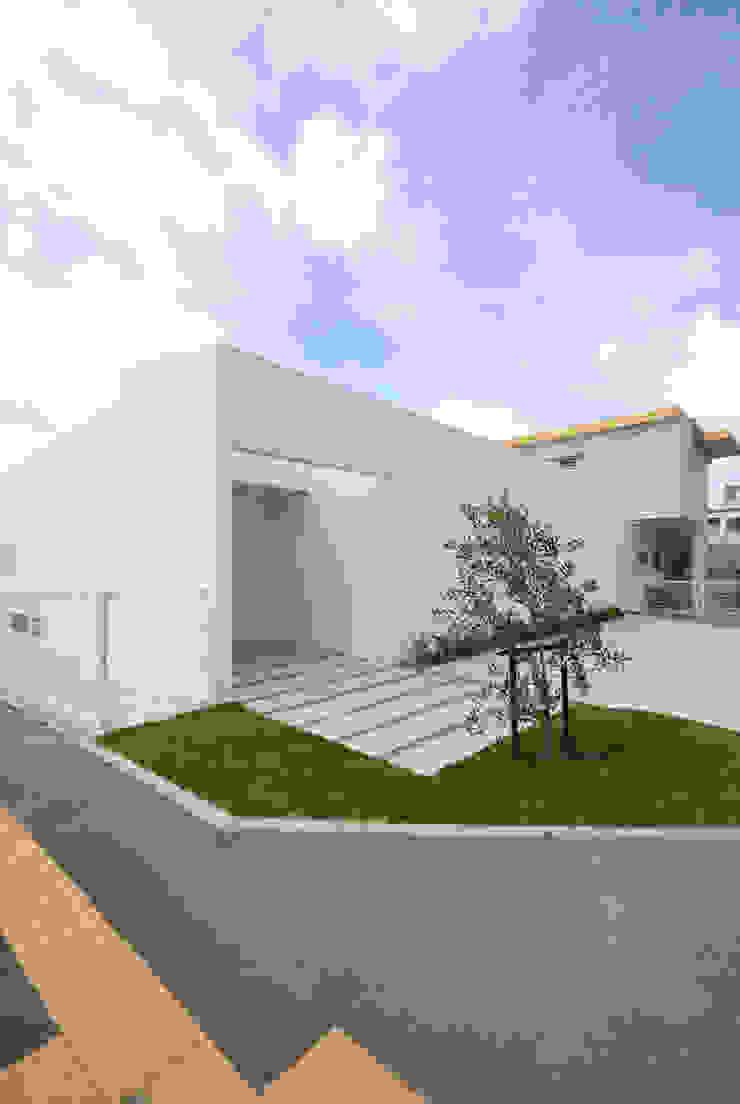 by 門一級建築士事務所 Modern Concrete