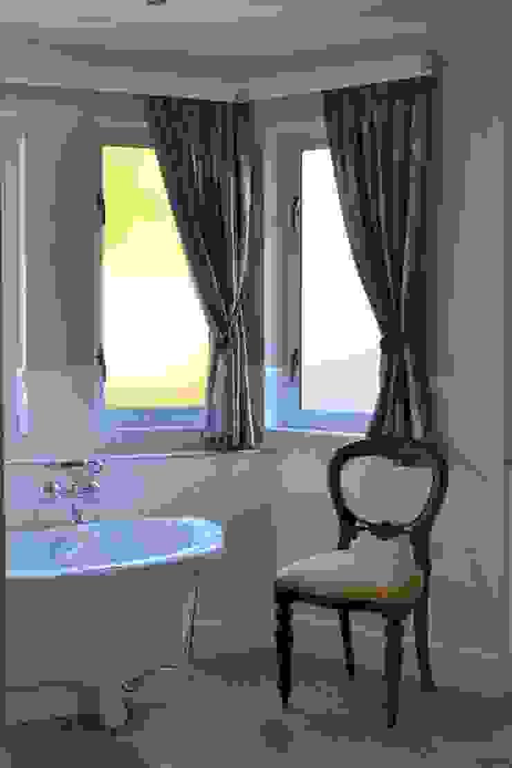 House Irene Estate, Pretoria Modern bathroom by Nuclei Lifestyle Design Modern