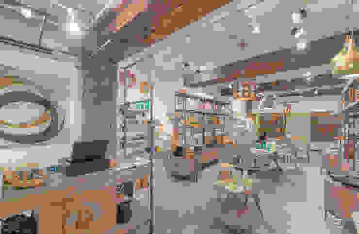 flamingo architects Espaces commerciaux modernes Bois Blanc