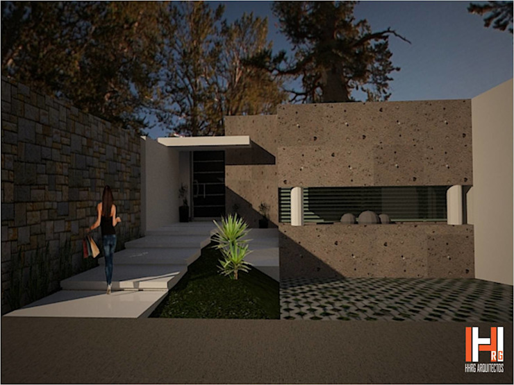FACHADA CON FUENTE Casas modernas de HHRG ARQUITECTOS Moderno