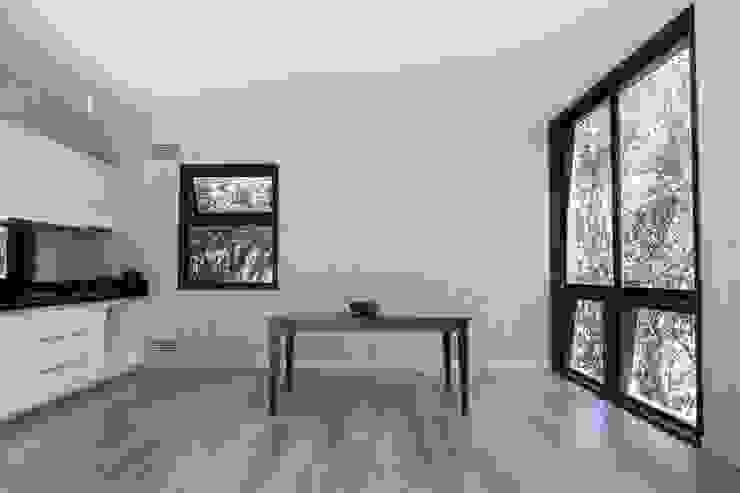 Modern Dining Room by MACIZO, ARQUITECTURA EN MADERA Modern Wood Wood effect