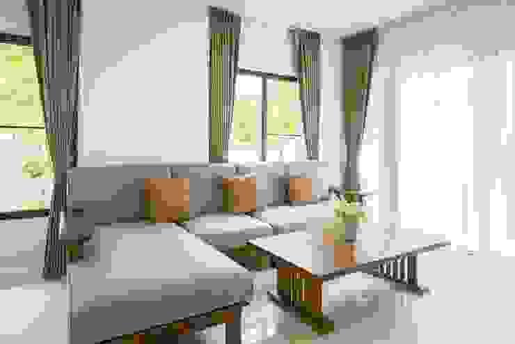 Rèm phòng khách: hiện đại  by Avinahome, Hiện đại Vải lanh / vải lanh Pink