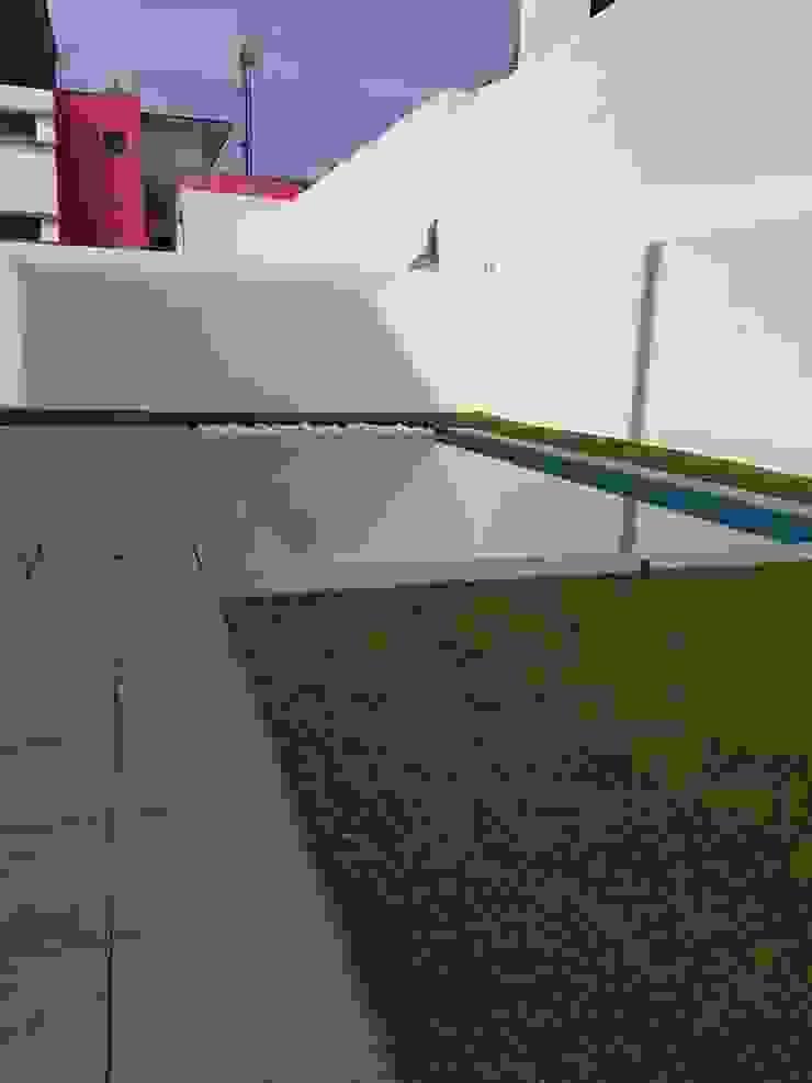 de estilo tropical por MEA Interior Design, Tropical
