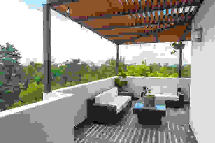 Terraza 4 emARTquitectura Arte y Diseño Balcones y terrazas clásicos Concreto Beige