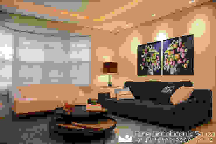Residência Ildefonso Simões Lopes - 2019 Salas de estar modernas por Tania Bertolucci de Souza | Arquitetos Associados Moderno