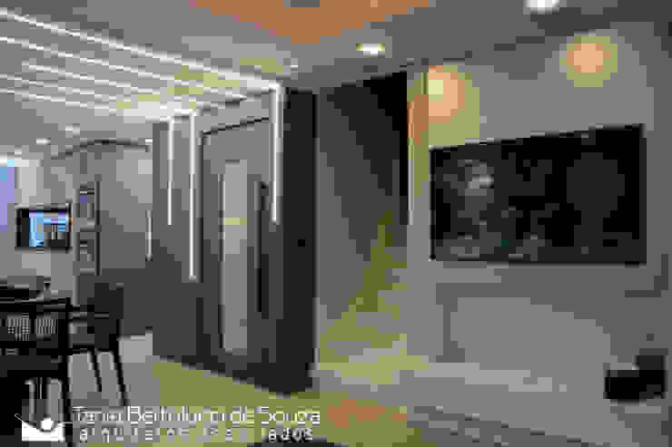 Residência Ildefonso Simões Lopes – 2019 Salas de estar modernas por Tania Bertolucci de Souza | Arquitetos Associados Moderno