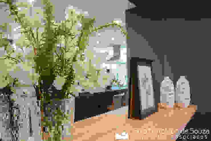 Residência Ildefonso Simões Lopes – 2019 Salas de jantar modernas por Tania Bertolucci de Souza | Arquitetos Associados Moderno