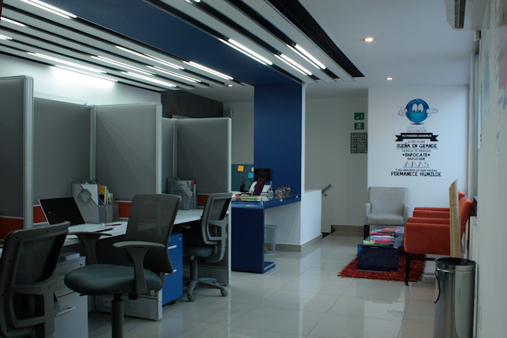 Ruang Studi/Kantor Klasik Oleh emARTquitectura Arte y Diseño Klasik Beton