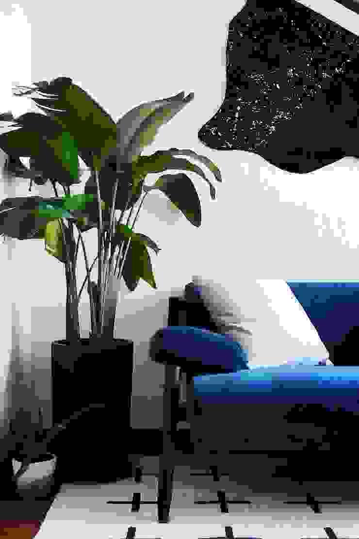 Hee Wong Modern living room by S.Lo Studio Modern