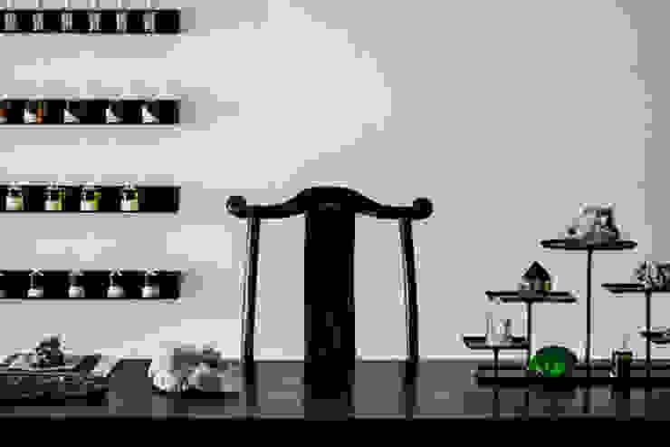 Myoth Lab Minimalist offices & stores by S.Lo Studio Minimalist