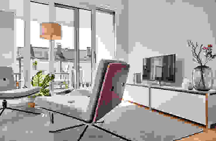 Home Staging Bavaria Living roomTV stands & cabinets
