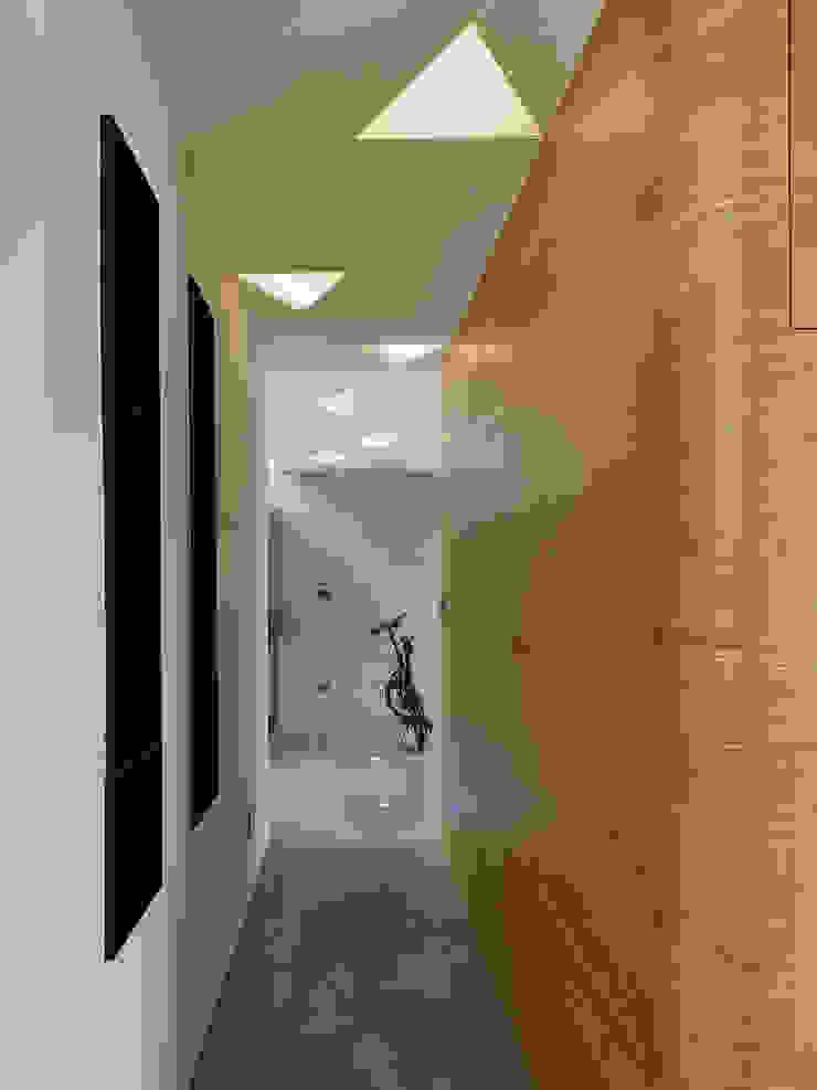 【我的家裡空無一物 編號004】 斯堪的納維亞風格的走廊,走廊和樓梯 根據 衍相室內裝修設計有限公司 北歐風